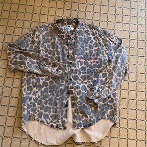 Pam & Gela leopard shirt  M